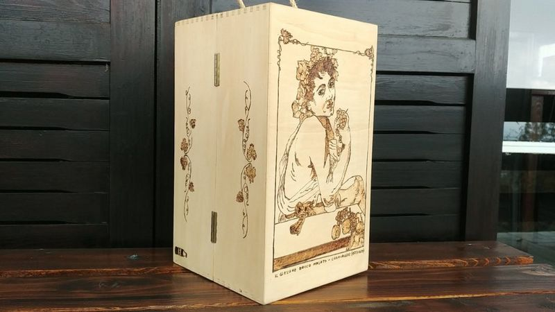 bacchus-wine-box-in-pyrographed-wood-customizable