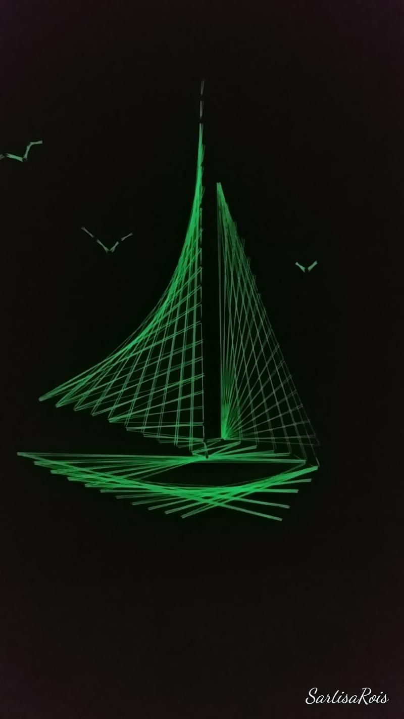 sail-phosphorescent-string-art