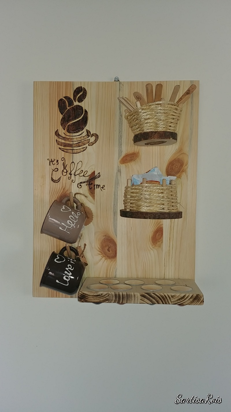 portatazze-legno-pirografato
